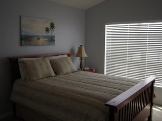 Fort Myers condo photo - Guest Room w Queen Size Bed