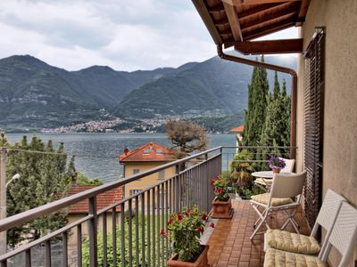 - Spacious and bright apartment surrounded by 3 terraces with Lake Como view-
