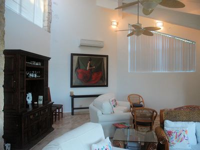 Luxury living areas: lots of artwork & custom amenities (Casa Romero)