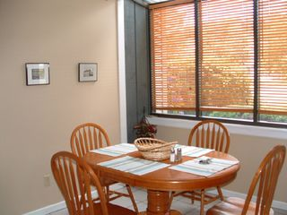 Saratoga Springs townhome photo - Sunny Breakfast Nook!