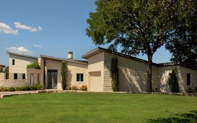Contemporary Lake Travis Waterfront Home on Deep Cove--Never Dry!