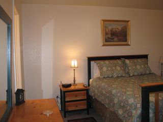 Las Vegas house photo - Master Bedroom with Queen Bed, Internet, TV, bathroom, walk-in closet