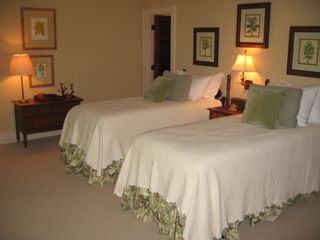 Highlands house photo - Twin guest bedroom