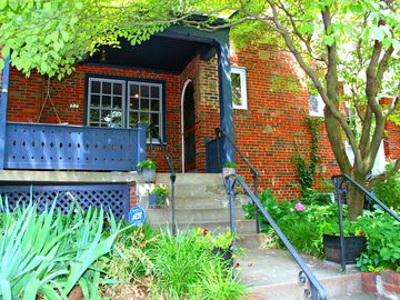 Georgetown townhome rental - Your colorful front porch!