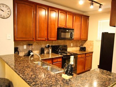 Granite Counter Tops, Full Kitchen