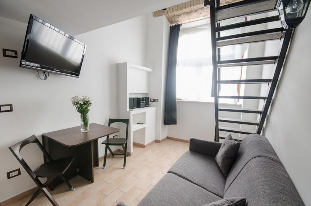 Studio apartment in rome with air conditioning for Studio apartments in rome