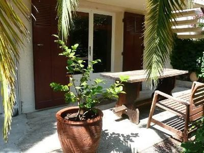 Apartment DRC villa height of Toulon quiet with large garden