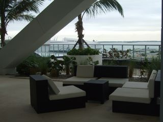 Miami condo photo - rest area