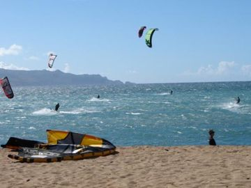 Kite boarding at kanaha beach park