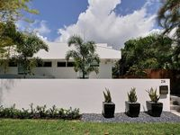 Contemporary - Renovated Downtown Delray Beauty - 2 Blocks from Atlantic Ave