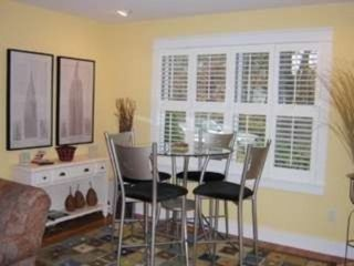 Upstairs Breakfast Nook w/Bistro Table - Ogunquit house vacation rental photo