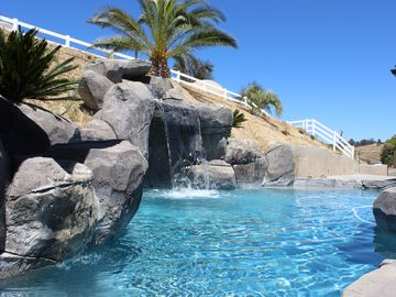 Temecula estate rental - Rock water fall pool 32'x15'