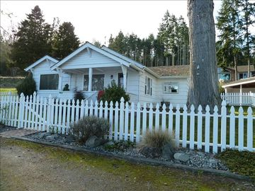The Cottage is a remodeled 1946 bungelow.