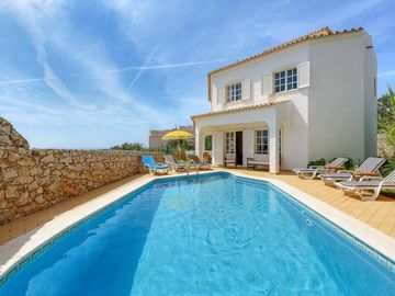 Alto da Boa Vista - Three Bedroom Villa, Sleeps 6