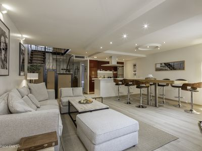 Newly Renovated 4 Bedroom Duplex Apartment, Terrace, Utility Room and Office