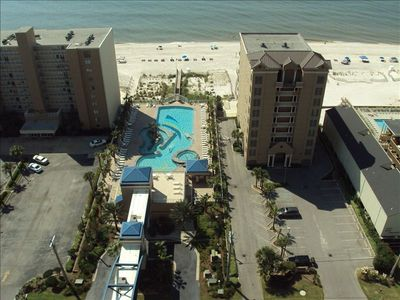 You can see the outdoor pools & white, sandy beaches of Gulf Shores!