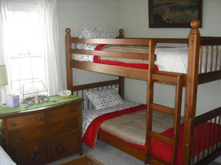 South Haven cottage photo - Bedroom 2- Bunk Beds and Twin Bed