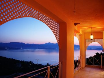 How would you feel, watching this sunset from your bed and enjoying the silence.