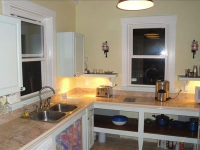 kitchen has gas stove,microwave,toaster,toaster oven,blender,dishwasher w/d