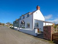 CLIFTON HOUSE , pet friendly in St Ishmaels, Ref 921856