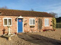 CHURCH VIEW COTTAGE, pet friendly in Burgh Le Marsh, Ref 921014