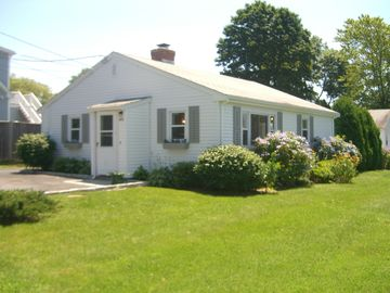 Middletown cottage rental - View from the street