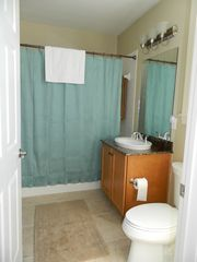 Englewood condo photo - Guest queen bath