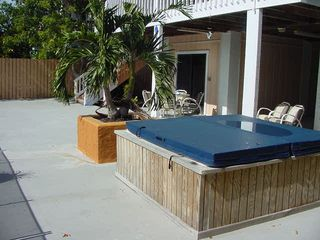 Islamorada house photo - Outdoor hottub-perfect for star gazing at night..