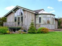 SEA VIEW LODGE, family friendly, with a garden in Warkworth, Ref 1134