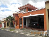 Lovely House In Gated Community 24/7 Hour Security, Enclosed Sunny Back Yard