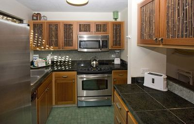 Wailea condo rental - Ekahi 39A Prepare A Nice Meal While Enjoying The Outdoor Views