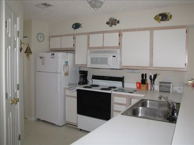 Fully Equipped Kitchen With Everything You Need -Plus a Full Washer Dryer