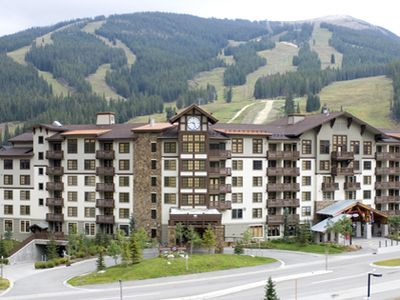 Modern building steps from the slopes of Copper Mountain, bike path & hiking!