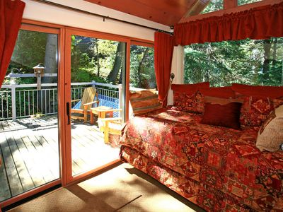 Double Twin Loft Bedroom with Deck High Above Stream in the Trees