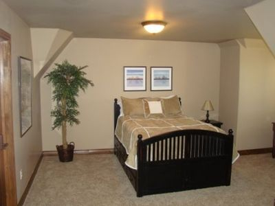 Full Size Bedroom & pull out twin trundle w/  desk...Bedroom #5 Midway Utah