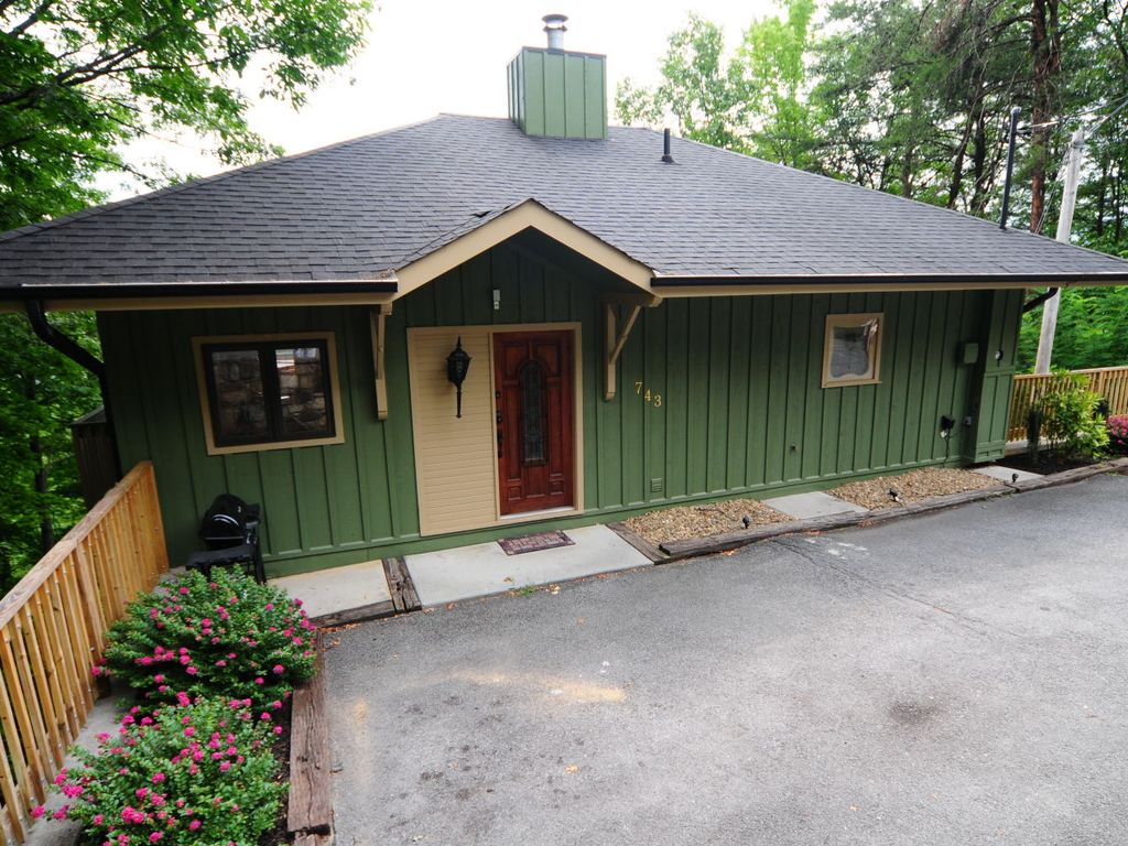 1 brm spectacular mountain views perfect vrbo for Perfect cabin