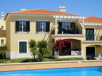 Top Floor Luxury Sunny  Apartment with A/C, overlooking pools, superb sea views