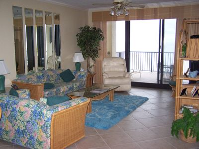 "Gulf View Living Room with 40"" flat screen smart TV, Bluetooth stereo"