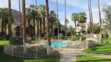 Indian Wells condo rental - This fantastic pool is waiting for you to soak up the sun!