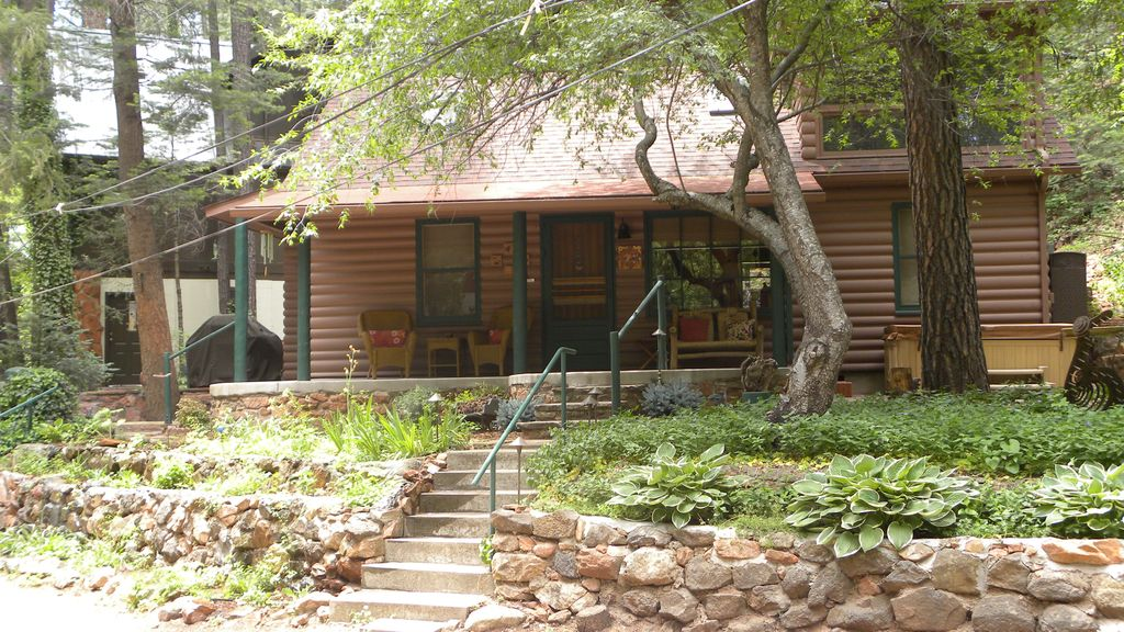 enjoy the serenity of oak creek canyon in a vrbo