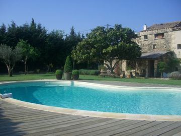 Uzes house rental - Pool and Front Garden