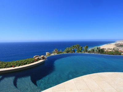 Breathtaking 7 BR cliff top villa in Pedregal. Ocean view, Infinity pool, and jacuzzi