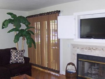 Cozy Fireplace in Living Room with LCD TV