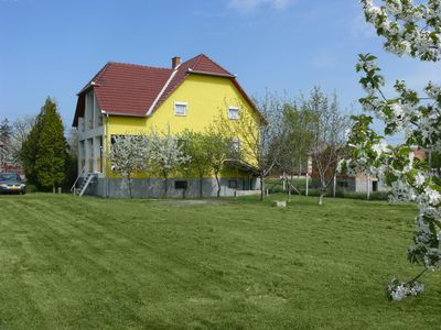 This holiday house with large garden is to enjoy cheap / your vacation.