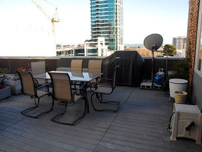the roof deck with BBQ