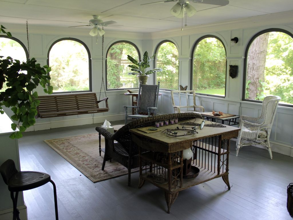 1870s shabby chic farmhouse waterfront vrbo for Shabby chic farmhouse