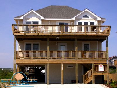 #1101 Coconuts Beach House. Pool, Hot Tub, Pool Table, Near Nags Head Pier!