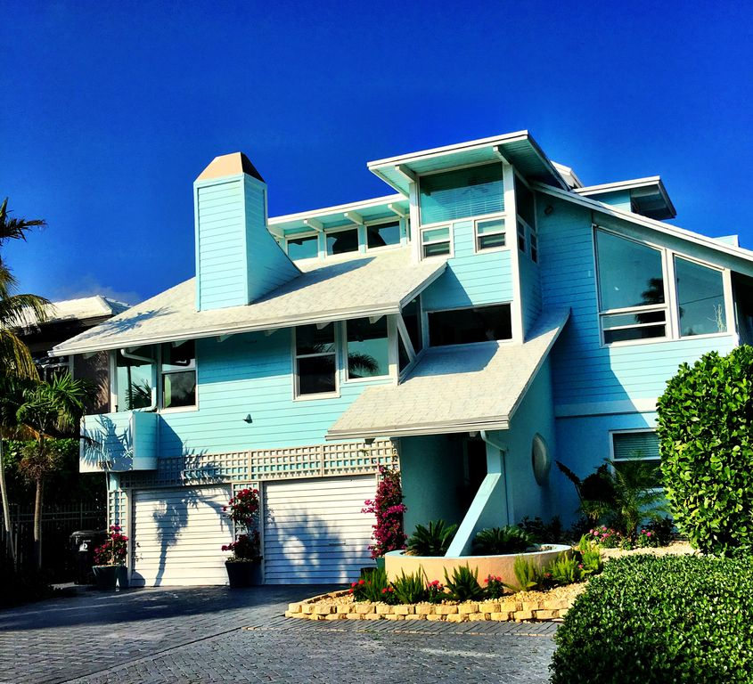 Ultimate Beach House. #1 Five Story 6 Bedroom...