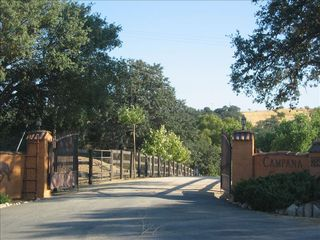 Paso Robles barn photo - Welcome to your private gated paradise! chk out our other rooms