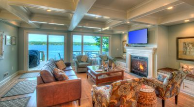 Beautiful Home On Skaneateles Lake